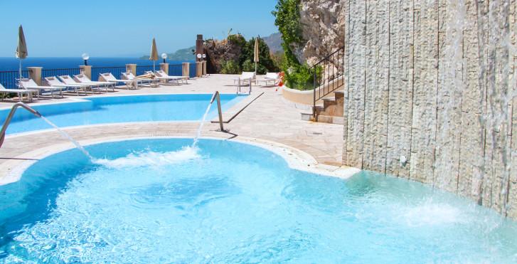 Image 29643284 - Capo dei Greci Hôtel