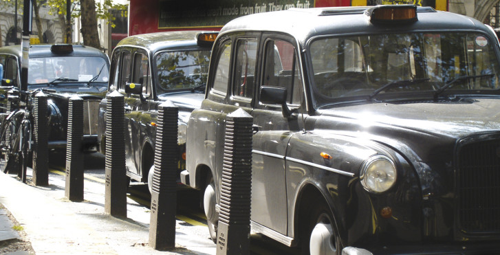 Schwarze Taxis, London