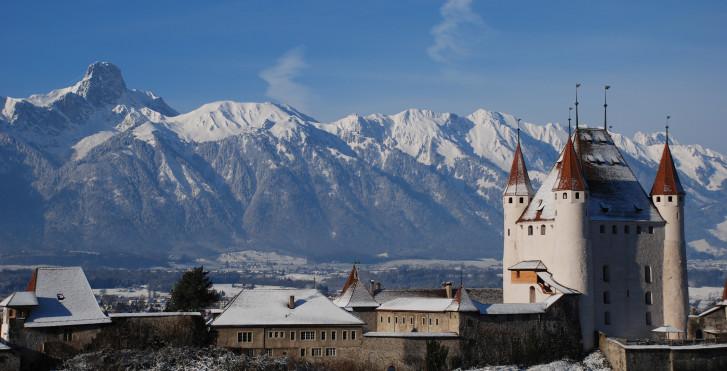 Schloss Thun im Winter