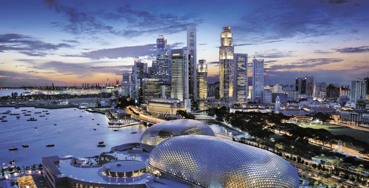 Singapur bei Dämmerung