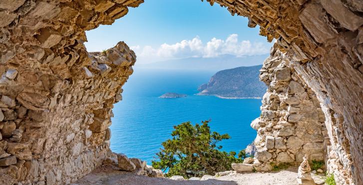 Spektakulärer Ausblick von der Burgruine Monolithos