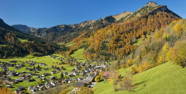 Idyllisches Dorf im Bregenzerwald
