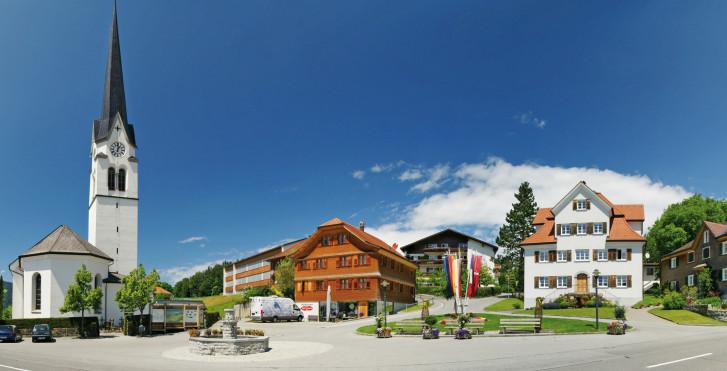 Lingenau im Sommer