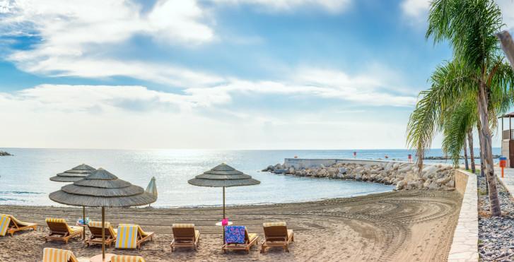 Beliebter Vouppa Beach in der Nähe von Limassol