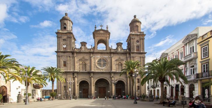 Blick auf die Kathedrale Santa Ana