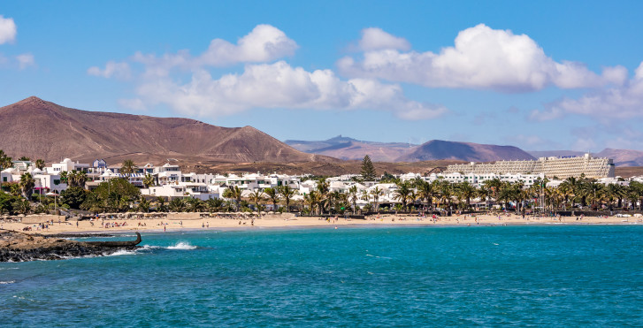 Playa de las Cucharas in Costa Teguise