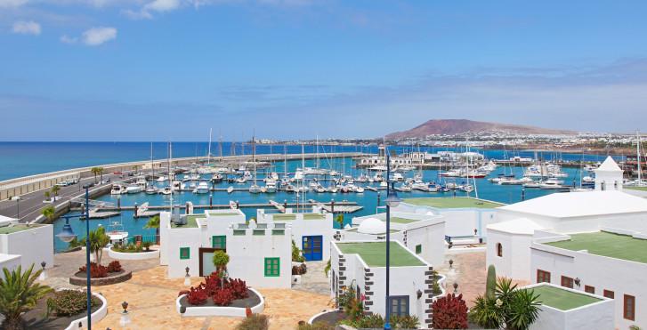 Hafen von Playa Blanca