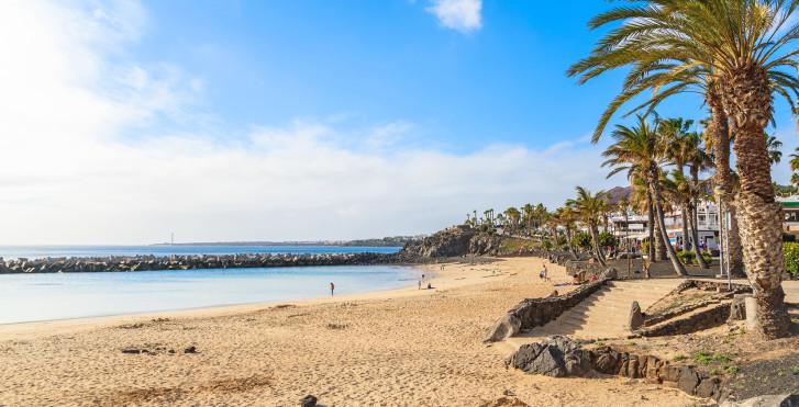 Belle plage de sable Playa Flamingo