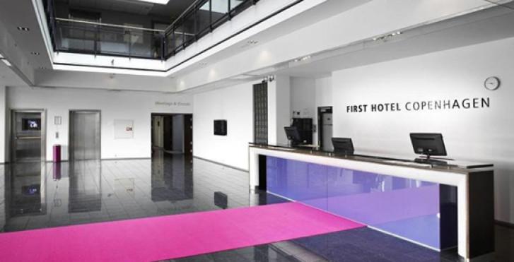 first hotel copenhagen kopenhagen migros ferien. Black Bedroom Furniture Sets. Home Design Ideas
