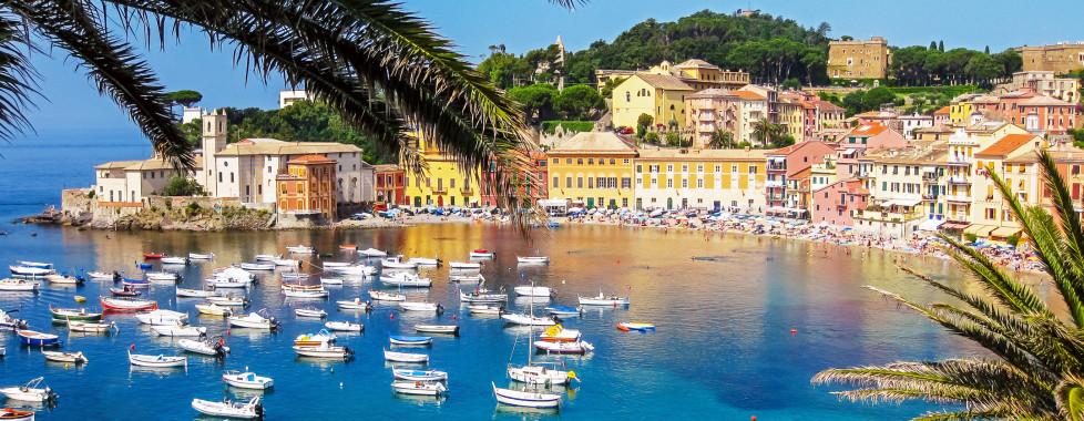 Sicht auf die wunderschöne Baia del Silenzio