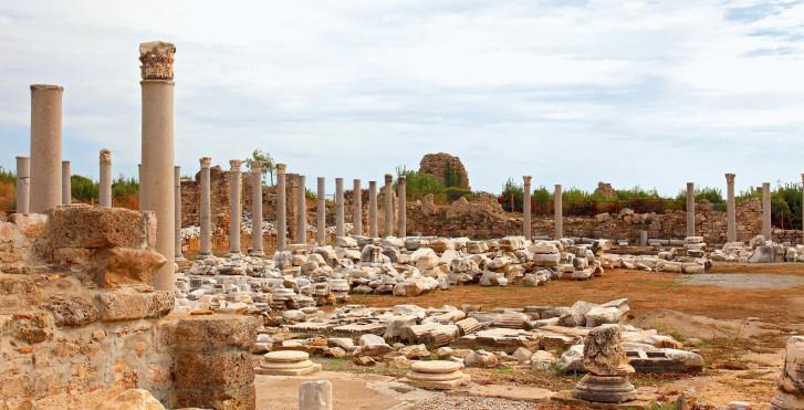 Ruines du théâtre antique, Side