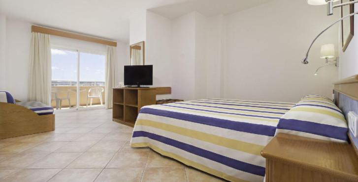 Azuline Rosamar Aparthotel