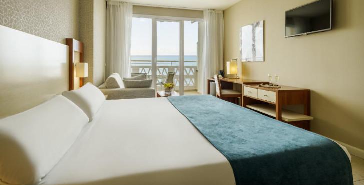 Doppelzimmer mit Balkon und Meerblick - Ilunion Fuengirola
