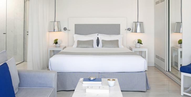 bungalowsSuperiorWaterfront - Knossos Beach Bungalows & Suites
