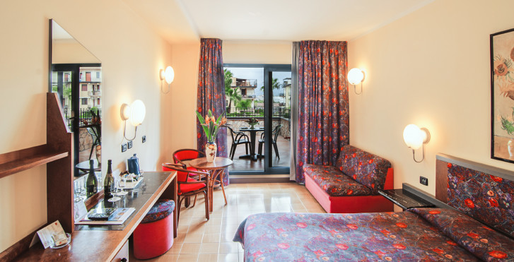 Chambre Classique Caesar Palace : Caesar palace giardini naxos sicile vacances migros