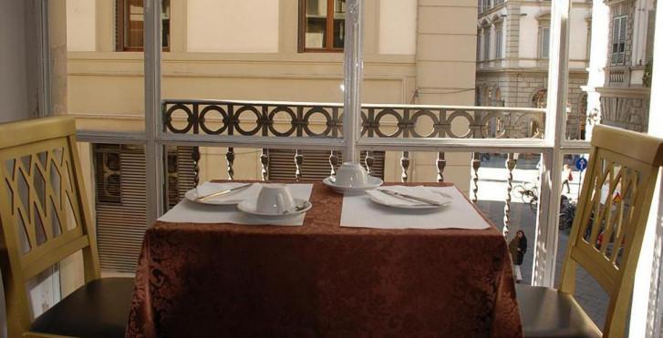 Image 33764268 - Hôtel Medici