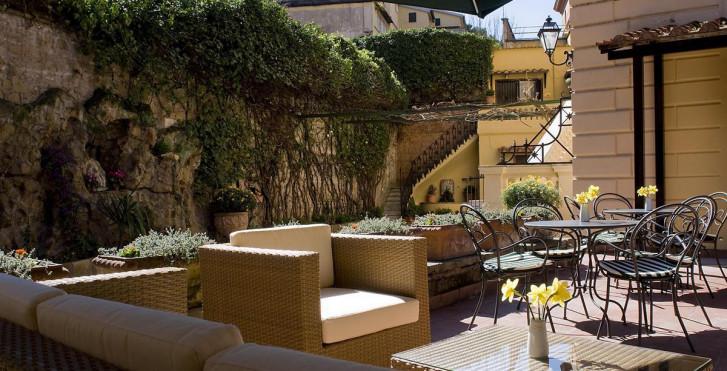 Image 7399551 - Rome Garden