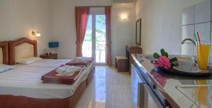 Athina Aparthotel