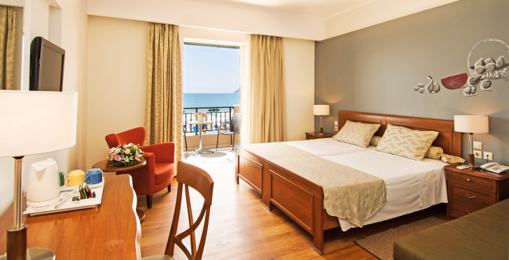 Doppelzimmer Executive mit Meersicht - Mediterranean Beach Resort and Spa