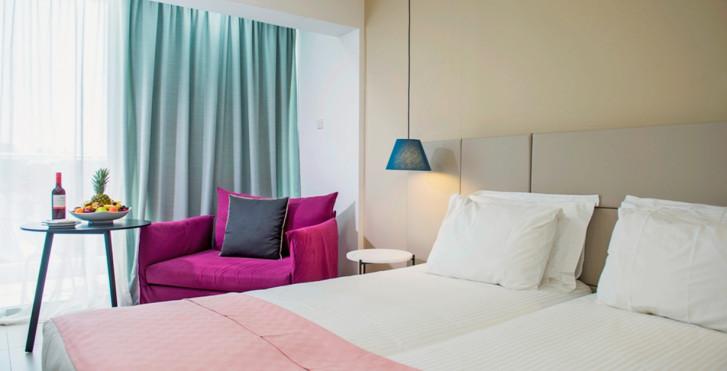 Chambre double Superior vue mer latérale - Napa Mermaid Hotel & Suites