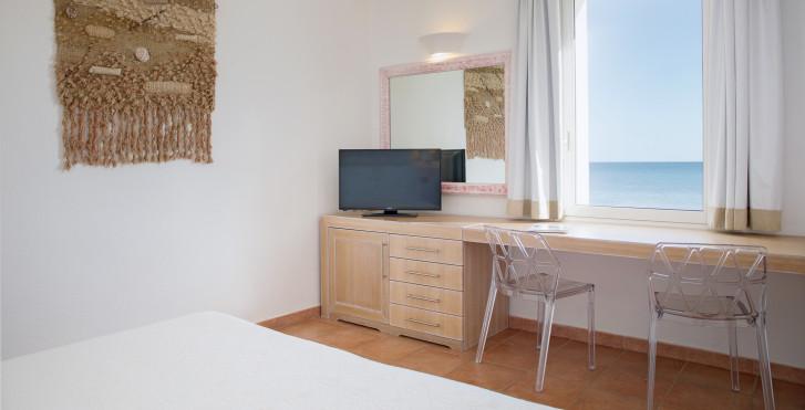 Chambre double vue mer / chambre familiale vue mer - Hôtel Flamingo