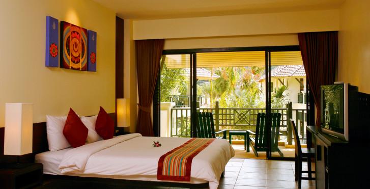 Baan Khaolak Resort