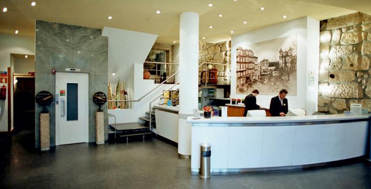 Bild 7909119 - Quality Inn Praça da Batalha