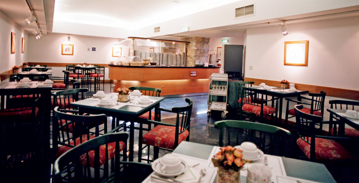 Bild 7909123 - Quality Inn Praça da Batalha