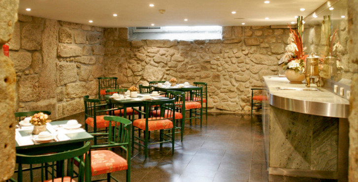 Bild 7909125 - Quality Inn Praça da Batalha