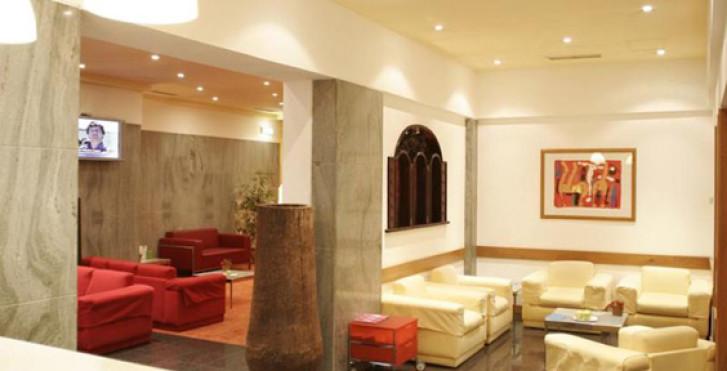 Bild 26090598 - Quality Inn Praça da Batalha
