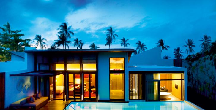 Tropical Oasis - W Retreat