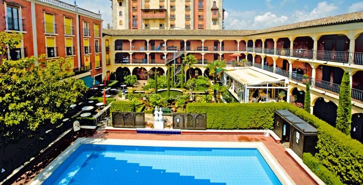 Image 36444232 - Hôtel thématique El Andaluz - incl. entrée parc
