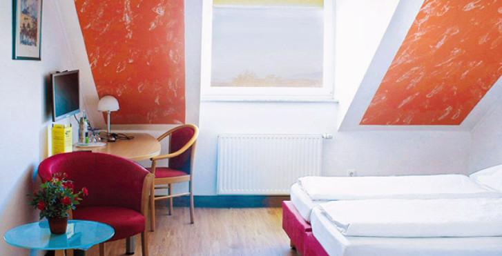 Standardzimmer - Sun Parc Hotel - inkl. Eintrittstickets in den Europa-Park