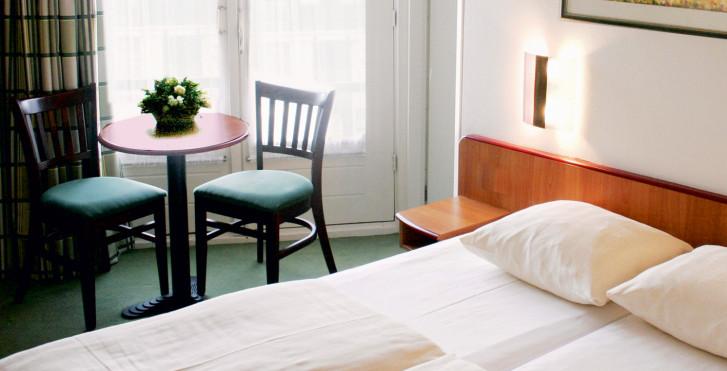 16 - Avenue Hôtel