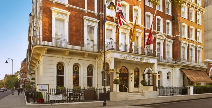 Bild 31210760 - The Millennium Baileys Hotel