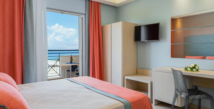 Doppelzimmer Deluxe - Mareblue Beach Resort
