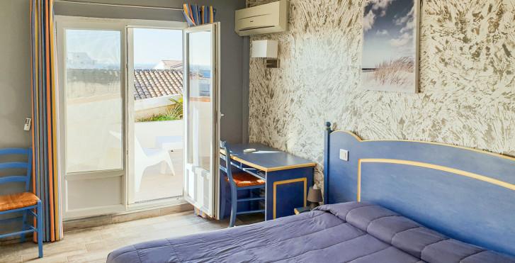 Chambre double Confort Sud - Hôtel Les palmiers en Camargue