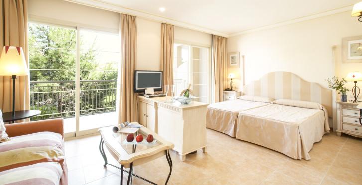 Junior Suite - Vanity Hotel Suite & Spa