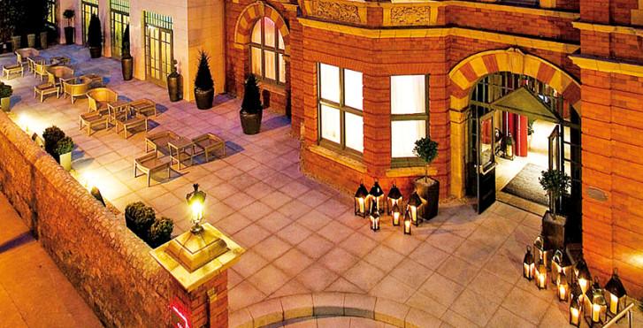 1 - Dylan Hotel