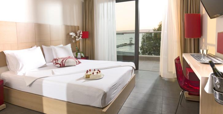 Suite - Almyrida Residence