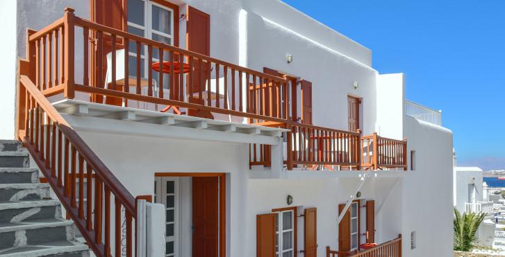 Petasos Town Hotel