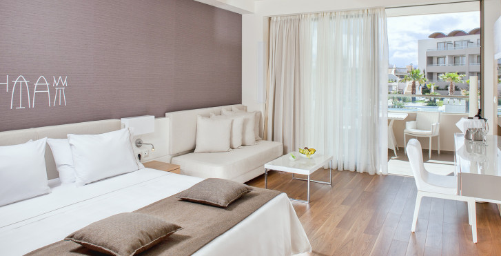 Doppelzimmer Deluxe mit Poolsicht - Avra Imperial Hotel
