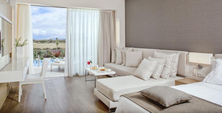 Doppelzimmer Superior mit Privatpool - Avra Imperial Hotel
