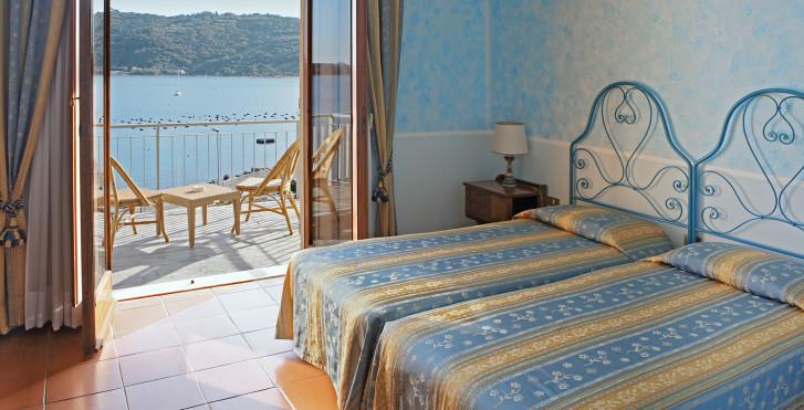 Doppelzimmer mit Meersicht - Hotel Royal Sporting