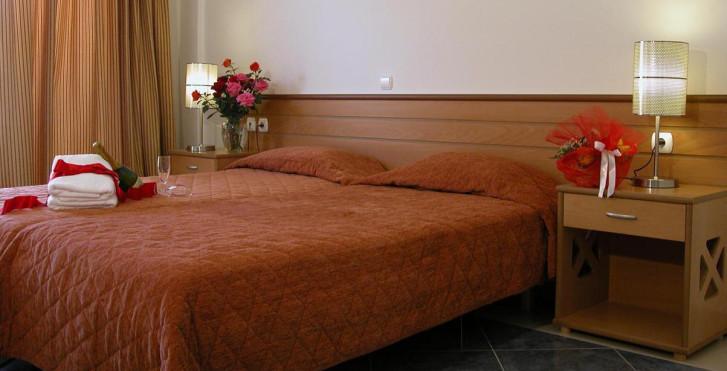 Bild 8038354 - Ithea Suites Hotel