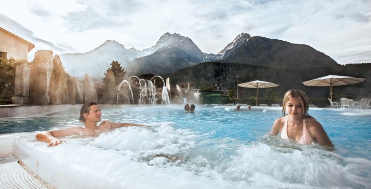 Engadin Bad Scuol - Hôtel Belvédère (avec abo-ski (hiver)/remontées mécaniques (été) et Bad Scuol)