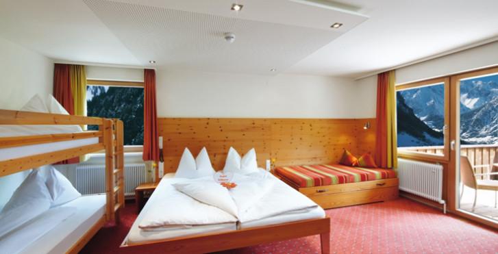 Chambre familiale - Hôtel Lagant