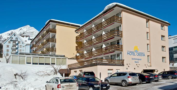 Hotel Cresta & Studios Cresta