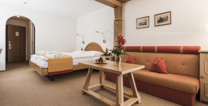 Chambre double maison d'hôtes - Hôtel Adula - Forfait ski