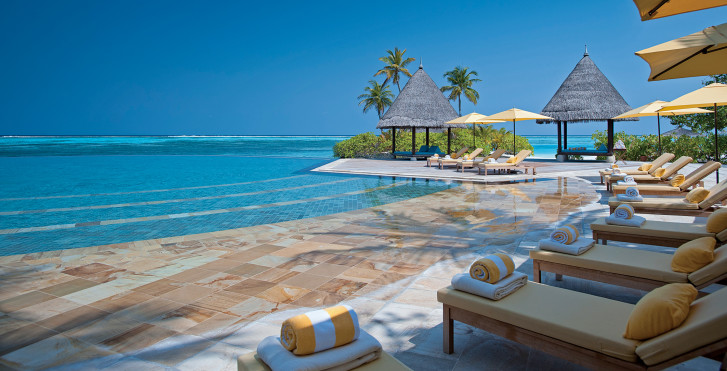 Four Seasons Kuda Huraa Resort
